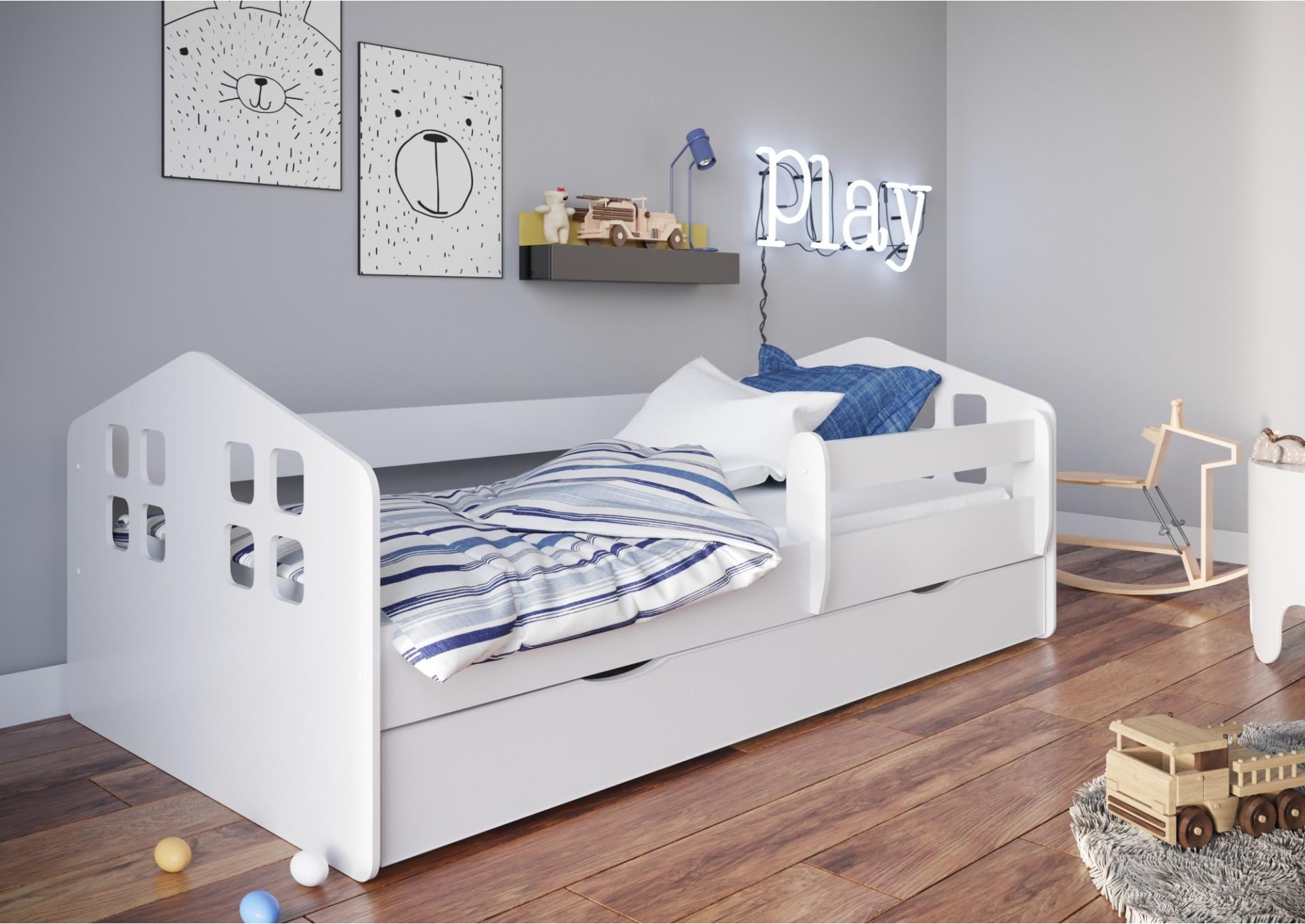 Łóżko dla dziecka z barierką w kształcie domku