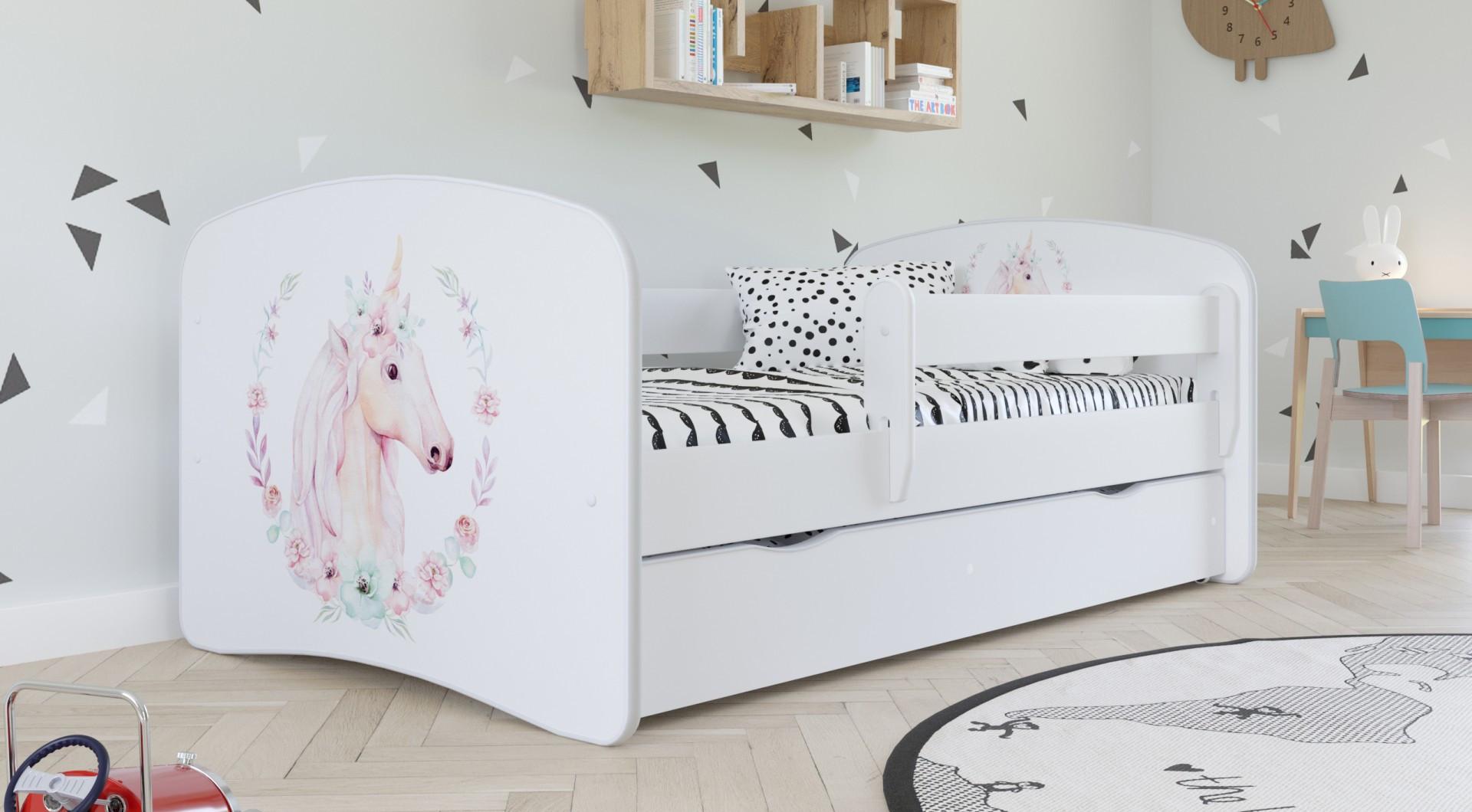 Łóżko z grafiką dla dziewczynki